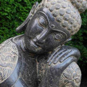 frostharte Garten Buddhas Fluss Stein