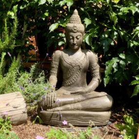 Buddhafigur Khmer sitzend