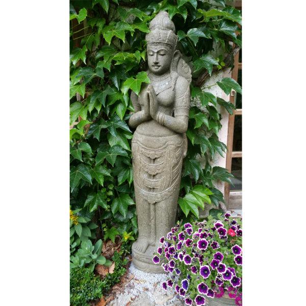 stehende Dewi Figur Garten Lavastein