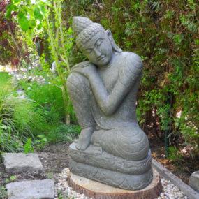 Buddhafigur träumend