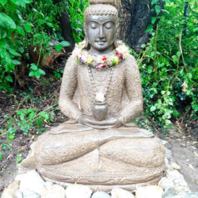Buddha sitzend Medizin