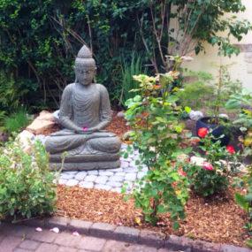 Lavastein Buddha Garten