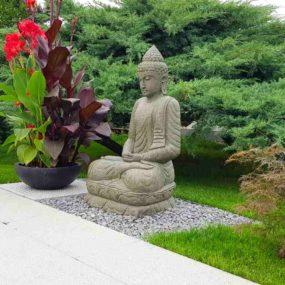 Buddhafigur Garten Lavastein sitzend
