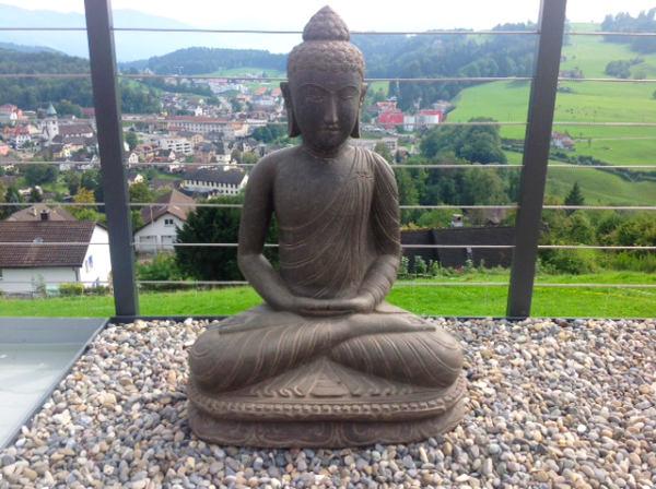 Buddhafigur meditierend