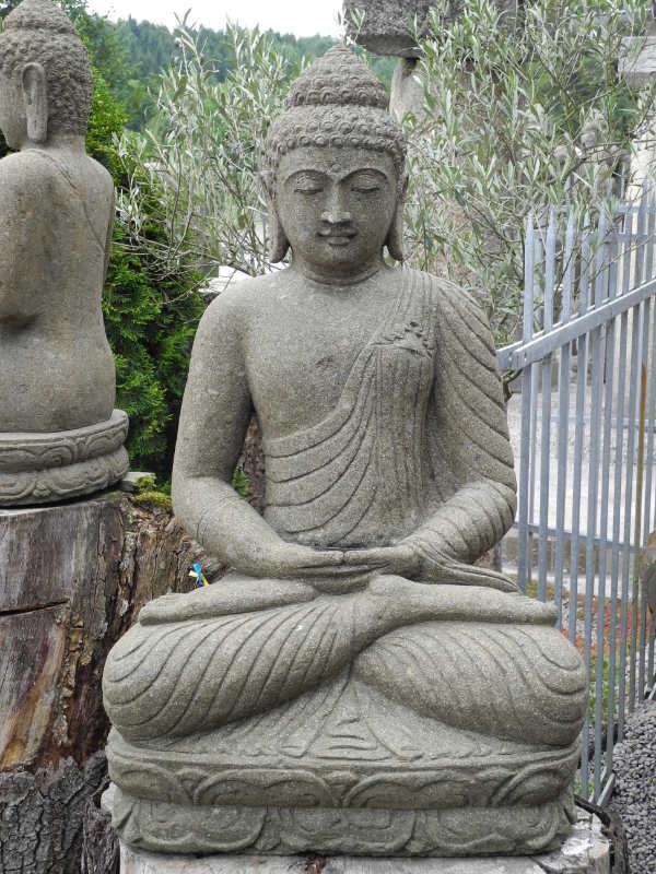 Steinbuddha Garten Lava
