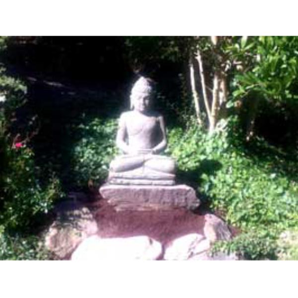 Steinbuddha Garten