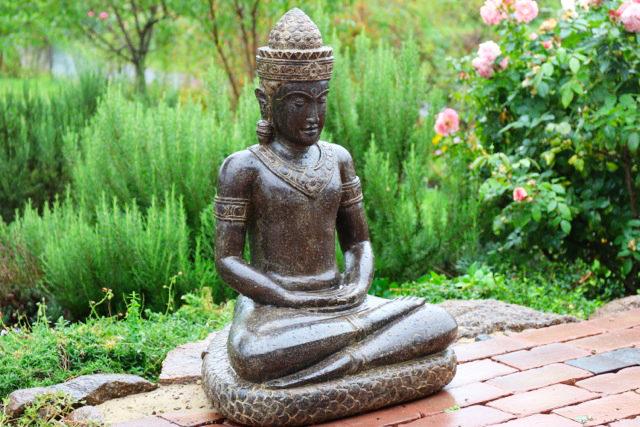 Buddhafigur Khmer Garten