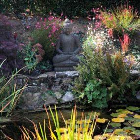Buddhafigur Gartenteich