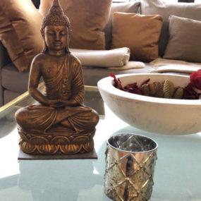 Buddhafigur goldfarben