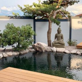 Buddhafigur Teich