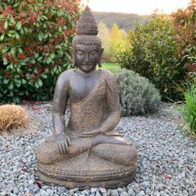 Buddhafigur Blumenkleid