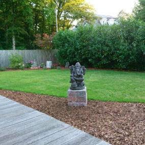 Ganesha Figur Garten