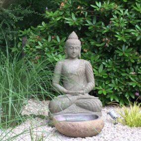 grosser Lavastein Buddha