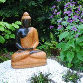 Buddha Figur sitzend