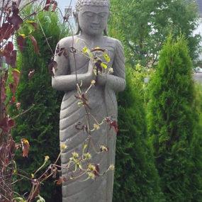 stehender Garten Buddha