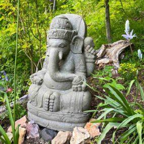 Ganesha Statue Garten