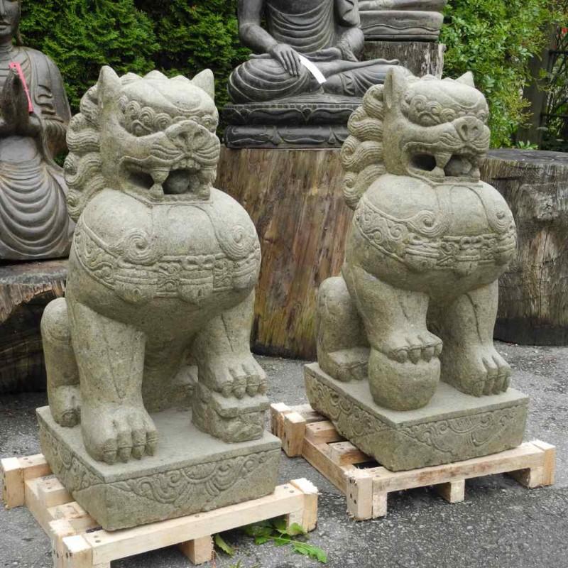 Majestätische Tempellöwen Paar grüner Lava Stein 80 cm