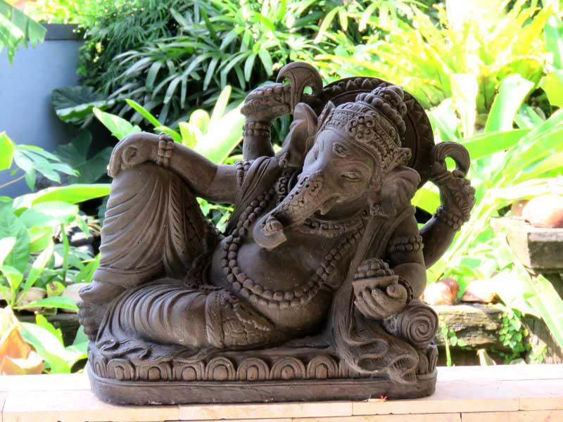 Ganesha Figur liegend Bali