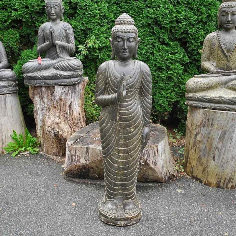 Filigraner Buddha mit Schutzgeste Fluss Stein 130 cm