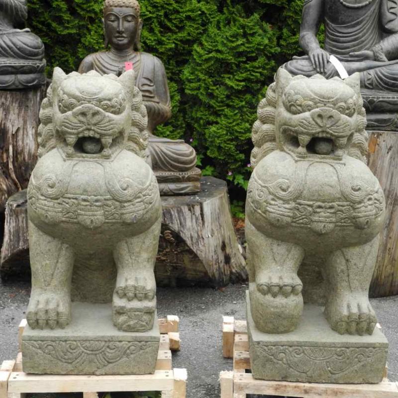 Majestätische Tempellöwen grüner Lava Stein 80 cm